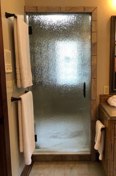 Single-Door2